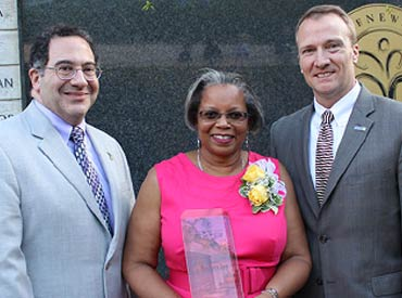 Barbara Lee, M.S.W., 2014 National Donor Memorial Award winner